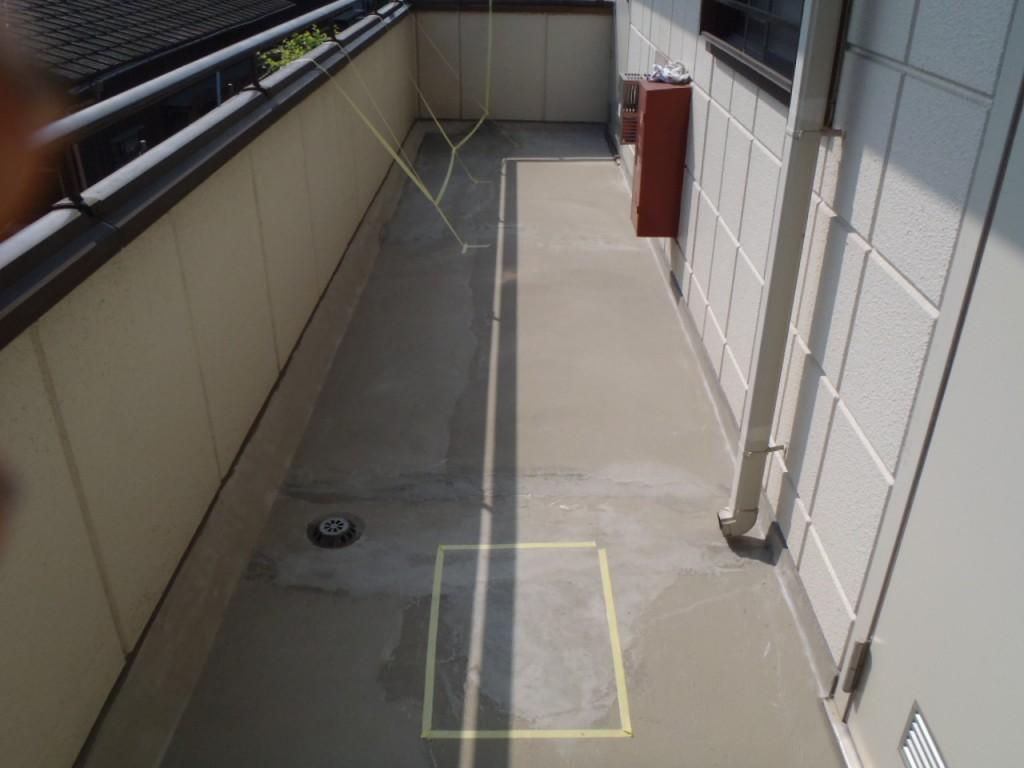 アパート塗装,廊下防水,長尺シート,アパート防水,埼玉県,さいたま市,大宮区、防水工事,ひび割れ