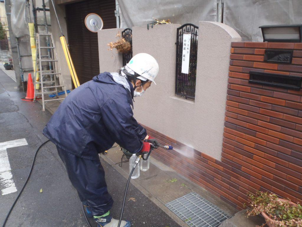 さいたま市,さいたま市塗り替え,一般住宅,家の塗り替え,埼玉県,千葉県塗り替え,外壁塗装,中塗,外構洗浄