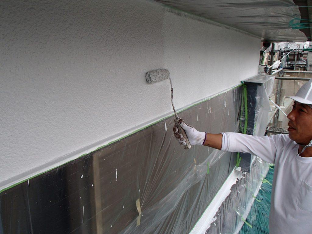 埼玉県,さいたま市,さいたま市外壁塗装,光触媒,光触媒外壁塗装,エポキシ樹脂,補修,ひび割れ,下地処理,家の塗り替え,外壁中塗り,外壁塗装