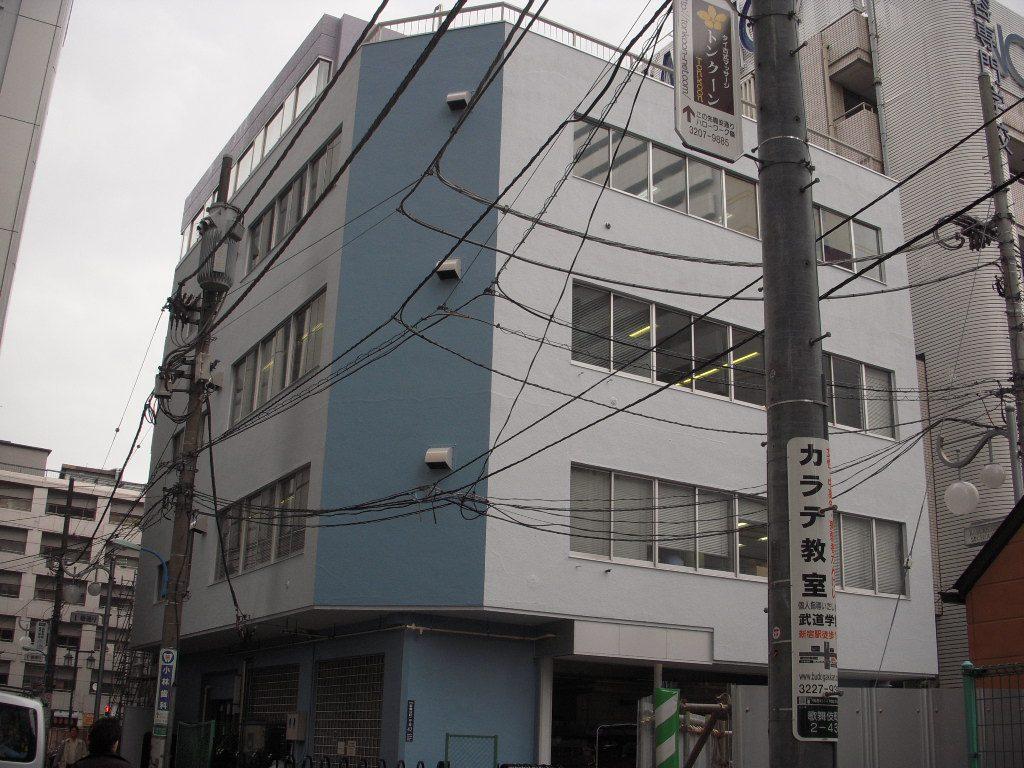 東京都,大規模改修工事,事務所,店舗,改修工事,外壁塗装,さいたま市外壁塗装,清掃センター塗り替え,青外壁,アパート塗装,マンション塗装,埼玉県大規模改修工事,安全第一,シーリング工事