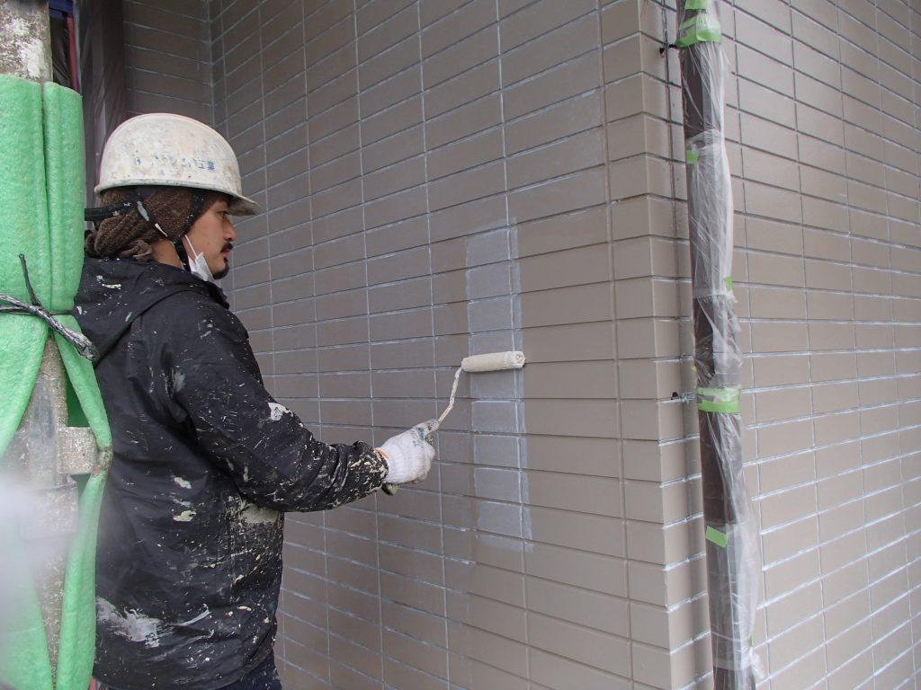 白岡市塗り替え,白岡市外壁塗装,サイディング塗装,さいたま市,さいたま市塗り替え,一般住宅,家塗り替え,埼玉県,塗り替え,屋根遮熱塗装,外壁サイディング,外壁塗装,外壁サイディング塗装,遮断熱塗料ガイナ,さいたま市外壁塗装,屋根外壁塗装,シーリング,ひび割れ補修,タスペーサー,サイワ塗装工業,下地処理,ベージュ,日進産業ガイナ,施工認定店,家の塗り替え