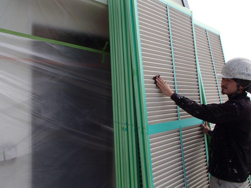 さいたま市,さいたま市塗り替え,一般住宅,家塗り替え,埼玉県,塗り替え,川越市塗装,川越市GAINA塗り替え,屋根温度差,屋根温度変化,夏の暑さ,冬の寒さ,GAINA温度変化,屋根遮熱,セルフクリーニング,光触媒,TOTO,ハイドロテクト,外壁塗装,外壁サイディング塗装,遮断熱塗料ガイナ,さいたま市外壁塗装,屋根外壁塗装,シーリング,ひび割れ補修,タスペーサー,サイワ塗装工業,下地処理,ベージュ,雨戸塗装,日進産業ガイナ,施工認定店,家の塗り替え,さいたま市浦和区,浦和外壁塗装,屋上防水工事,ウレタン防水工事,ベランダ防水工事,外壁塗装シーリング,,雨戸の塗装画像