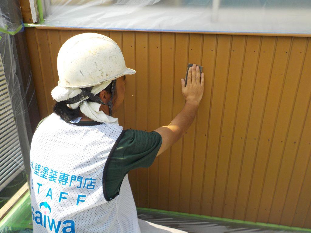 岩槻区塗装,さいたま市岩槻区塗装,金属サイディング,トタン屋根,金属サイディング塗装,錆止め,金属ケレン,付帯部塗装,さいたま市,さいたま市塗り替え,一般住宅,家塗り替え,埼玉県,塗り替え,外壁塗装,外壁サイディング塗装,遮断熱塗料ガイナ,さいたま市外壁塗装,屋根外壁塗装,シーリング,ひび割れ補修,タスペーサー,サイワ塗装工業,下地処理,ベージュ,日進産業ガイナ,施工認定店,家の塗り替え