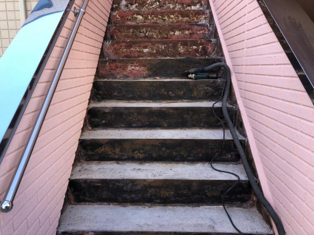 階段の長尺シート 施工