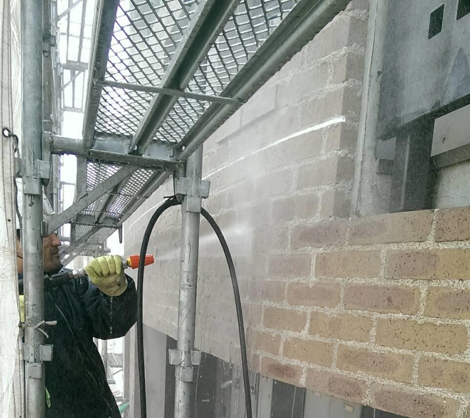 煉瓦タイル薬品洗浄 特殊薬品 超高圧水洗浄 洗浄効率 吐出水量 吐出圧力