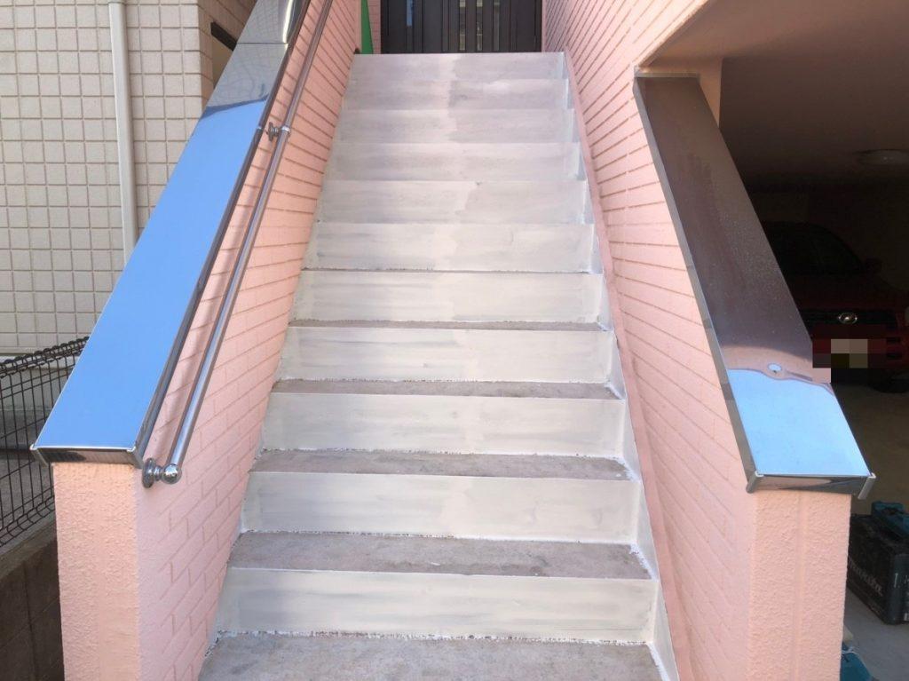 階段錆止め塗布