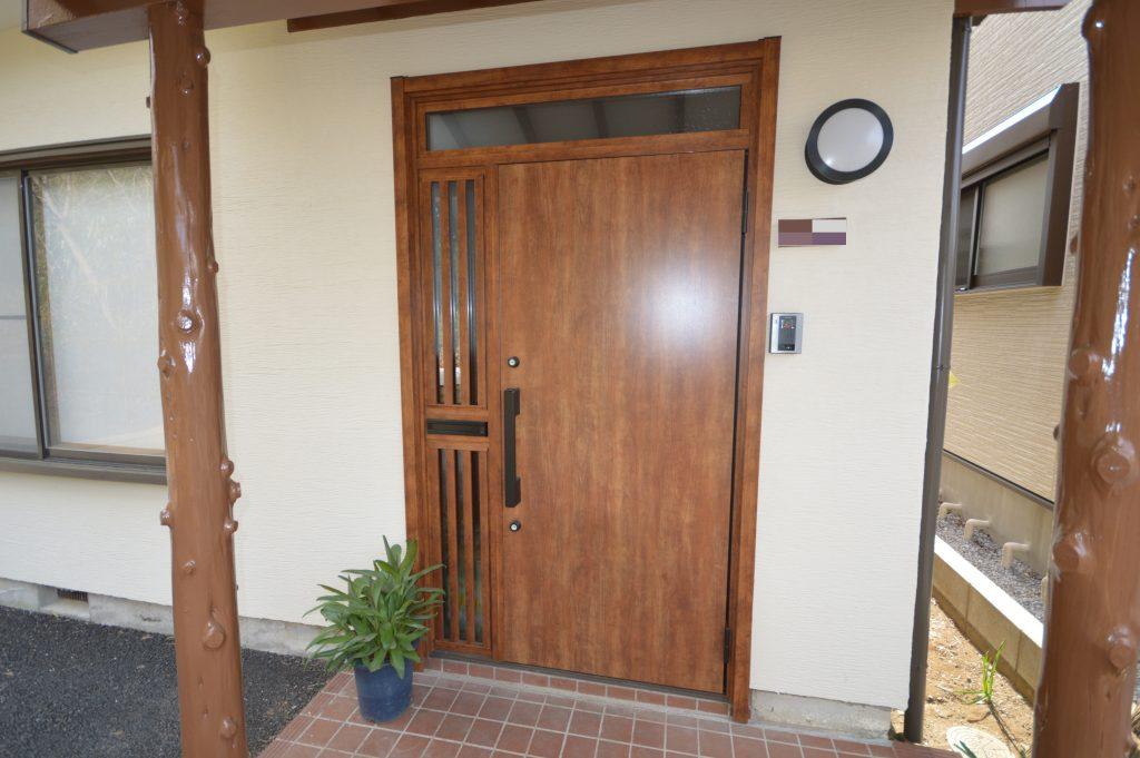 外壁塗装 玄関ドアリフォーム