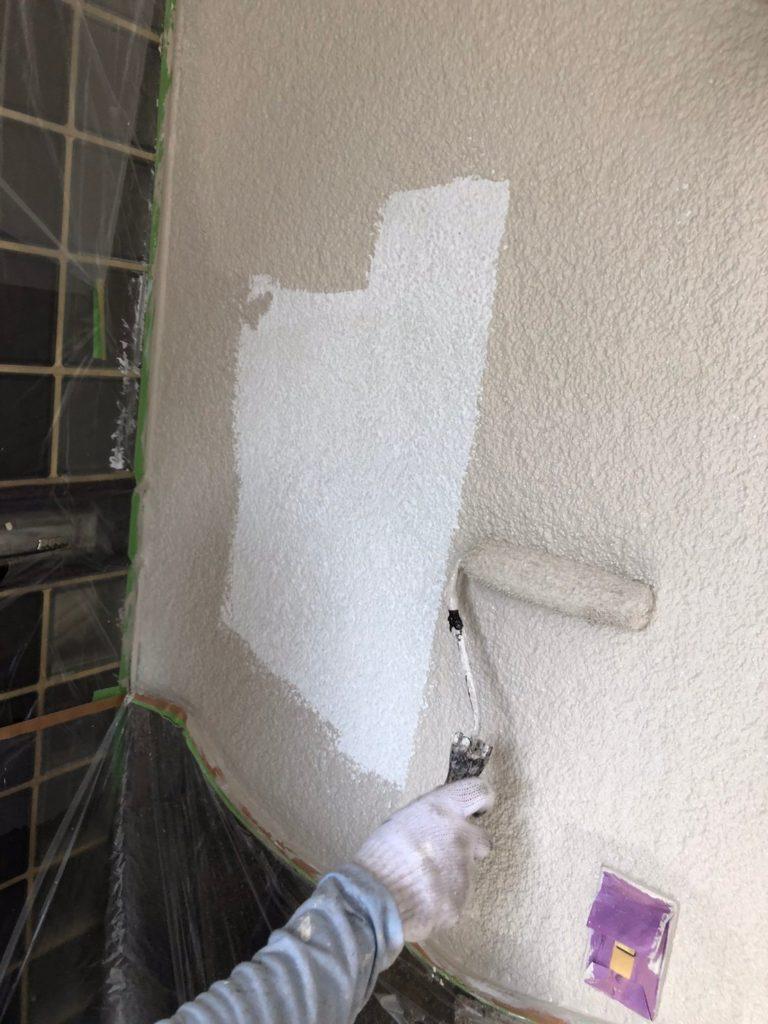 さいたま市中央区 外壁塗装 中塗り サイワ塗装工業