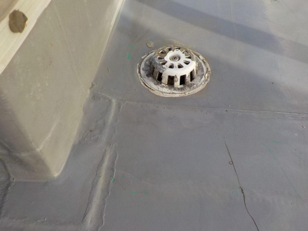 ベランダ 雨漏り修繕