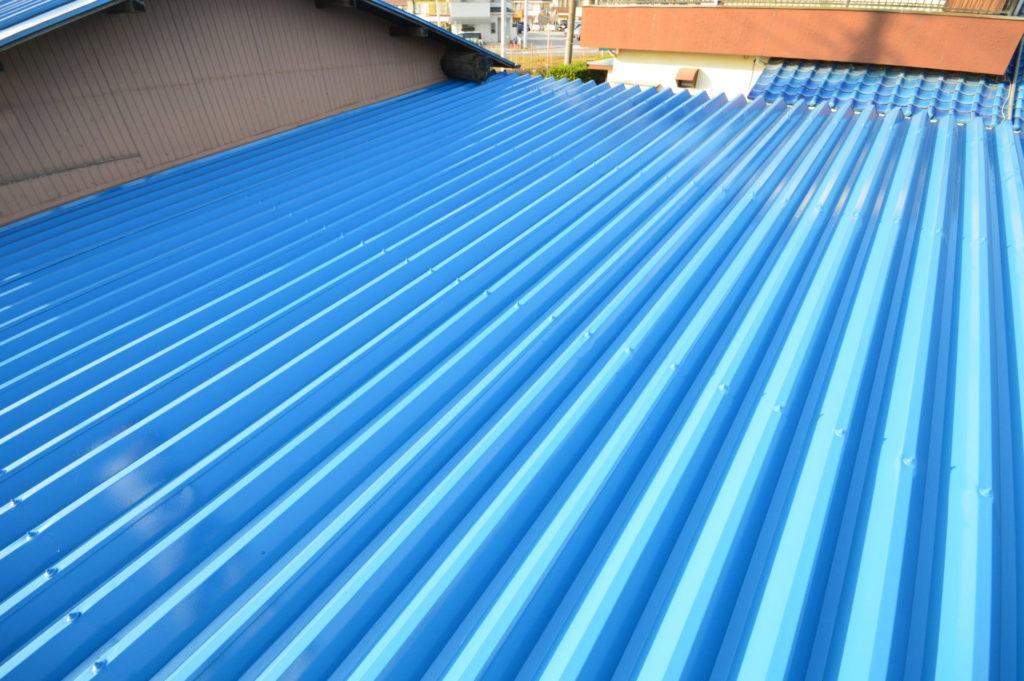 折半屋根塗装 アレスクール 新スカイブルー