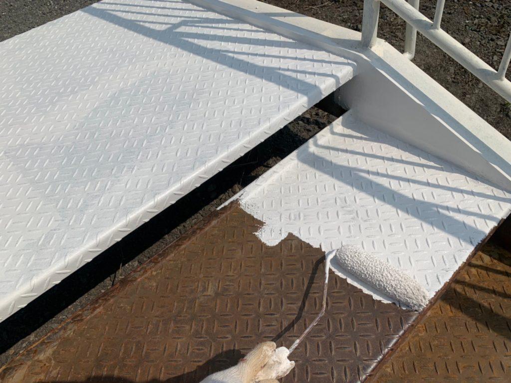 階段塗装 下塗り 金属塗装 鉄骨階段