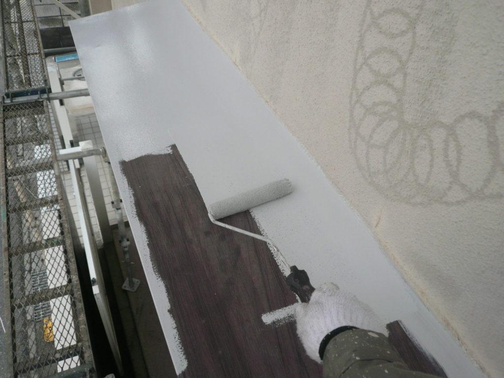 鉄部塗装 下塗り 庇 サイワ塗装工業
