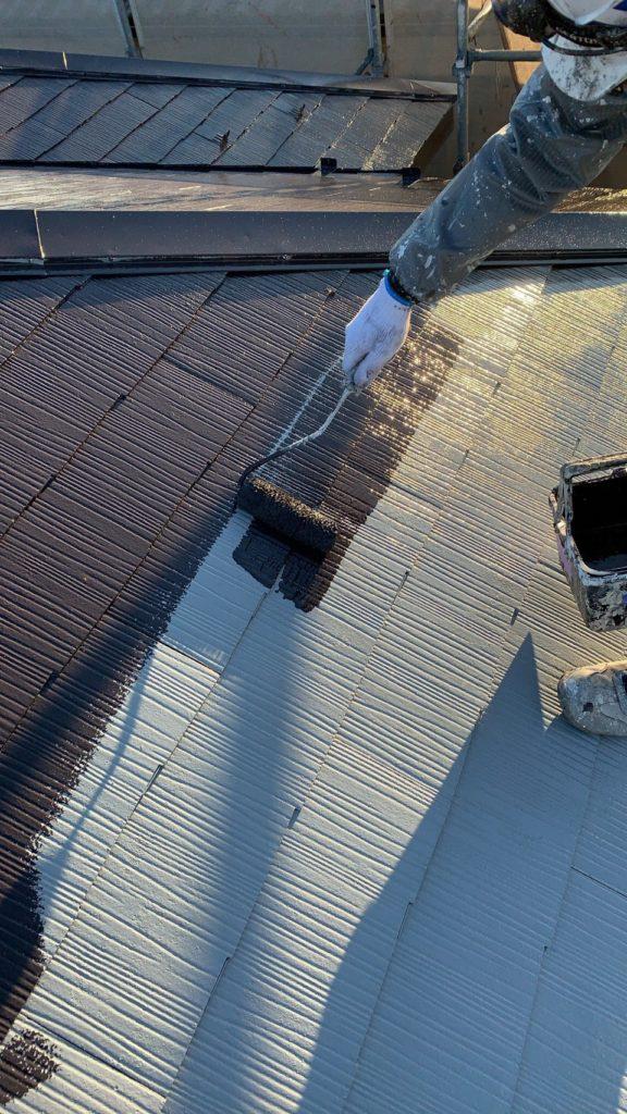 屋根の塗装 アステックペイント 中塗り