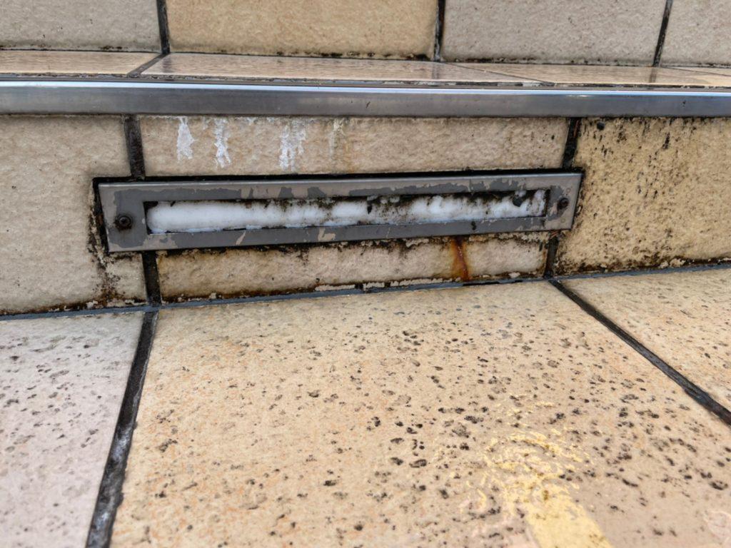 タイル 白い汚れ 落ちない エフロ タイル汚れ さいたま市北区