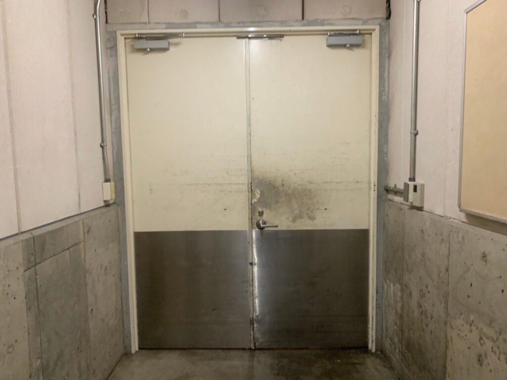 皮脂軟化 塗装 施工前 扉 ドア べたべた 手あか