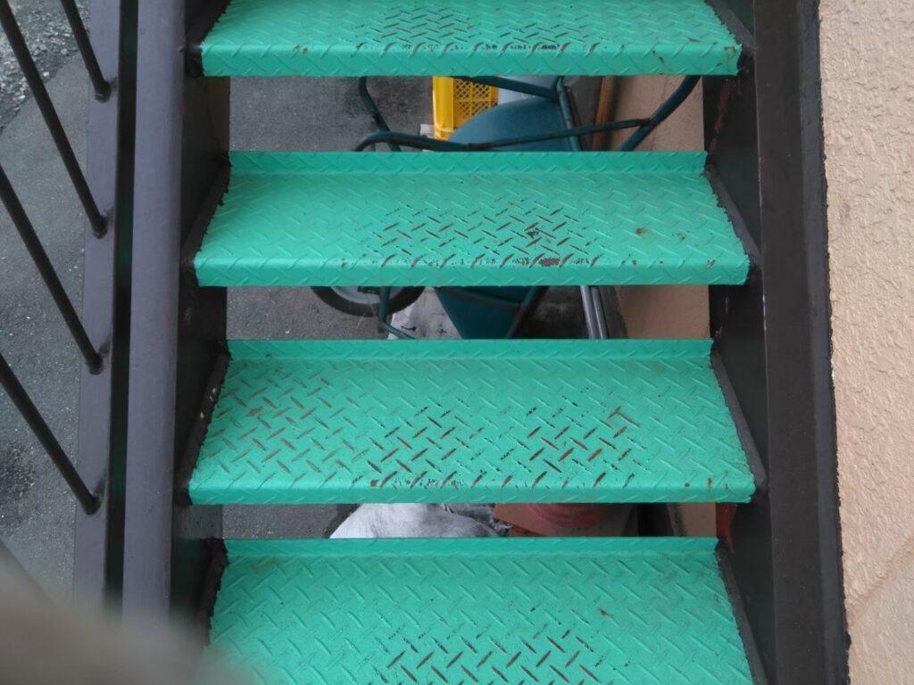 アパート塗装 鉄骨階段 錆止め