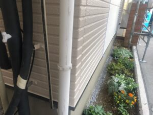 雨樋施工前 雨樋塗装 塗装 施工事例